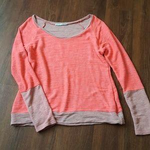 Georgeous bright scoop neck sweater